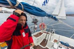 PYLOS,希腊-水手参加航行赛船会 免版税库存图片