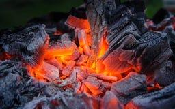 pyra för aska burning kol Bbq-grillfest Royaltyfri Foto
