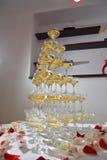 Pyramid av champagne arkivfoton