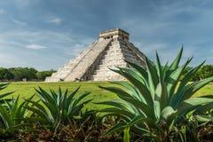 Pyramid av Kukulcan Arkivbilder