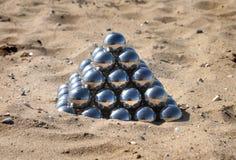Pyramid av spegelbollarna Royaltyfria Bilder
