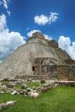 Pyramid av trollkarlen i Uxmal, Yucatan, Mexico Fotografering för Bildbyråer