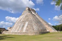 Pyramid av trollkarlen, Uxmal Royaltyfri Bild