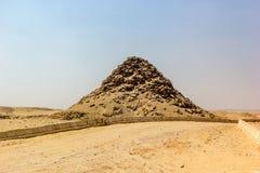 Pyramid av Userkaf Arkivfoton