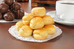 Bite sized cream puffs. A pyramid of bite sized cream puffs Stock Photos