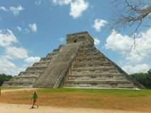 pyramid Chichen Itza i Mexico Royaltyfri Fotografi