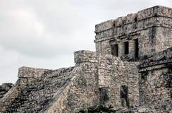 Pyramid El Castillo slotten i Tulum Arkivbild