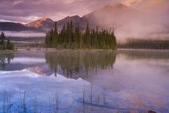 pyramid för 5 lake Arkivfoto