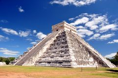 Pyramid för El Castillo Royaltyfri Bild