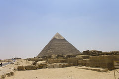 Pyramid of Khafre and temple ruins Royalty Free Stock Images