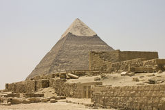 Pyramid of Khafre and temple ruins Royalty Free Stock Photography