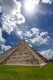 Pyramid Kukulkan, Chichen Itza Royaltyfria Bilder