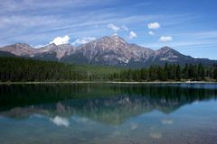 Pyramid lake and Mountain. Pyramid lake and Pyramid mountain in Jasper Park, AB Royalty Free Stock Photos