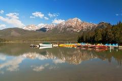 Pyramid sjö, Jasper National Park, Alberta, Kanada Arkivbild