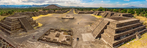 Pyramid of the Sun and the road of death in Teotihuacan Royalty Free Stock Photography