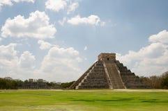 Pyramide de Chichen Itza photographie stock libre de droits
