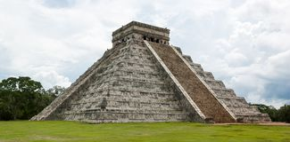 Pyramide de Chichen Itza Photo stock