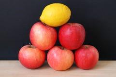 Pyramide de fruit Photos libres de droits