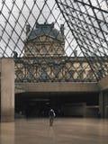 Pyramide de Louvre Images stock