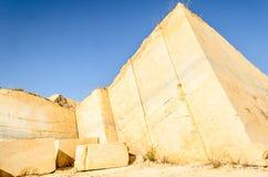 Pyramide de marbre Photo libre de droits