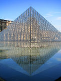 pyramide de Paris d'auvent Photo stock