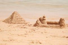 Pyramide de sable photos libres de droits