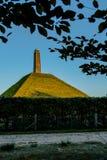 Pyramide der Austerlitz gesehenen Abflussrinne verlässt Vertikale stockfotos