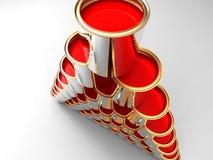 Pyramide der roten Lackdosen Stockfotos