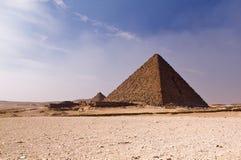 Pyramide in der Wüste Stockbilder