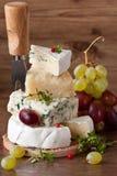 Pyramide des Käses. Lizenzfreies Stockfoto