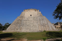 Pyramide des Magiers, Uxmal, Mexiko Lizenzfreie Stockfotografie