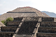 Pyramide des Sun in Teotihuacan Stockbilder
