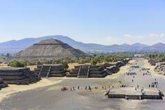 Pyramide des Sun und der Allee der Toten lizenzfreies stockbild