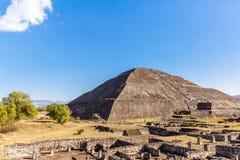 Pyramide des Sun und der Ruinen in Teotihuacan, Mexiko stockfotos
