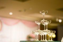 Pyramide en verre de Champagne pyramide des verres de vin, Image libre de droits