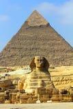 Pyramide et sphinx de l'Egypte Photographie stock libre de droits