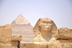 Pyramide et Sphynx Images stock