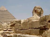 Pyramide et Sphynx Photographie stock
