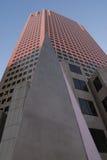 Pyramide J32 und Kontrollturm Lizenzfreies Stockfoto