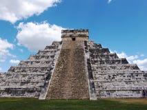 Pyramide maya chez Chichen Itza Image libre de droits