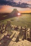 Pyramide maya chez Chichen-Itza, Mexique Photographie stock