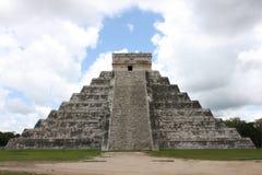 Pyramide maya dans Chichen-Itza Mexique images stock
