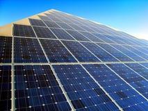 Pyramide solaire photographie stock libre de droits