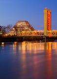 Pyramide und Kontrollturm-Brücke in Sacramento Stockfotos