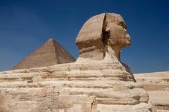 Pyramide und Sphinx Stockbild