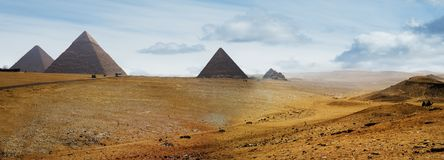 Pyramiden stockfotos