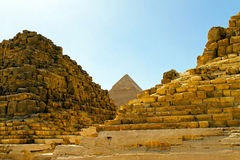 pyramiden fördärvar Royaltyfria Foton