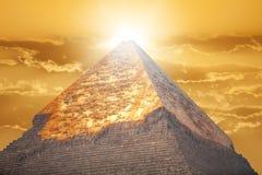 Pyramider av Giza, i Egypten royaltyfria foton