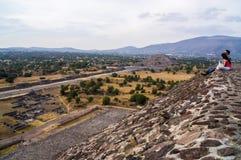 Pyramider av Teotihuacà ¡ n, Mexico Royaltyfri Bild