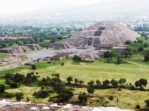 Pyramider av Teotihuacan Mexico Royaltyfri Fotografi